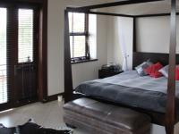 Main Bedroom - 43 square meters of property in Silver Stream Estate