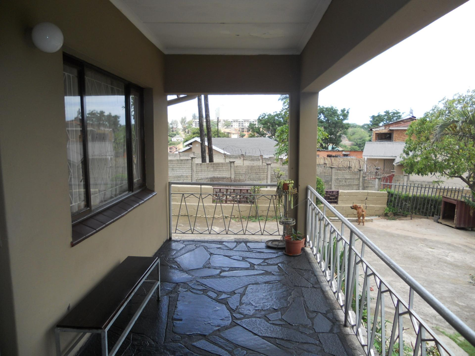 Patio - 14 square meters of property in Clare Hills