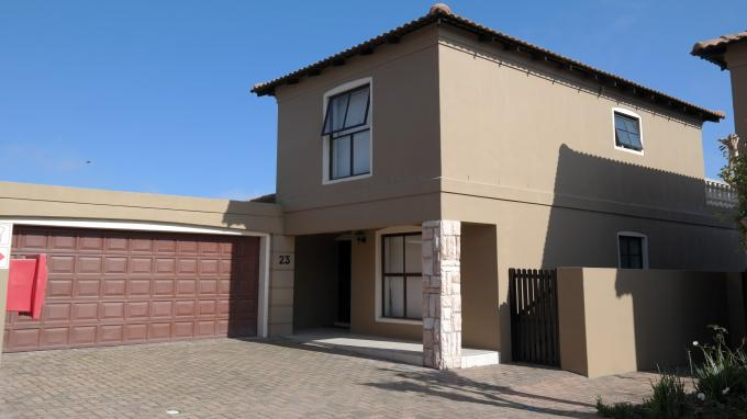 Standard Bank EasySell 3 Bedroom Sectional Title For Sale in Parklands - MR130724