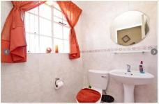 Bathroom 1 - 6 square meters of property in Olivedale