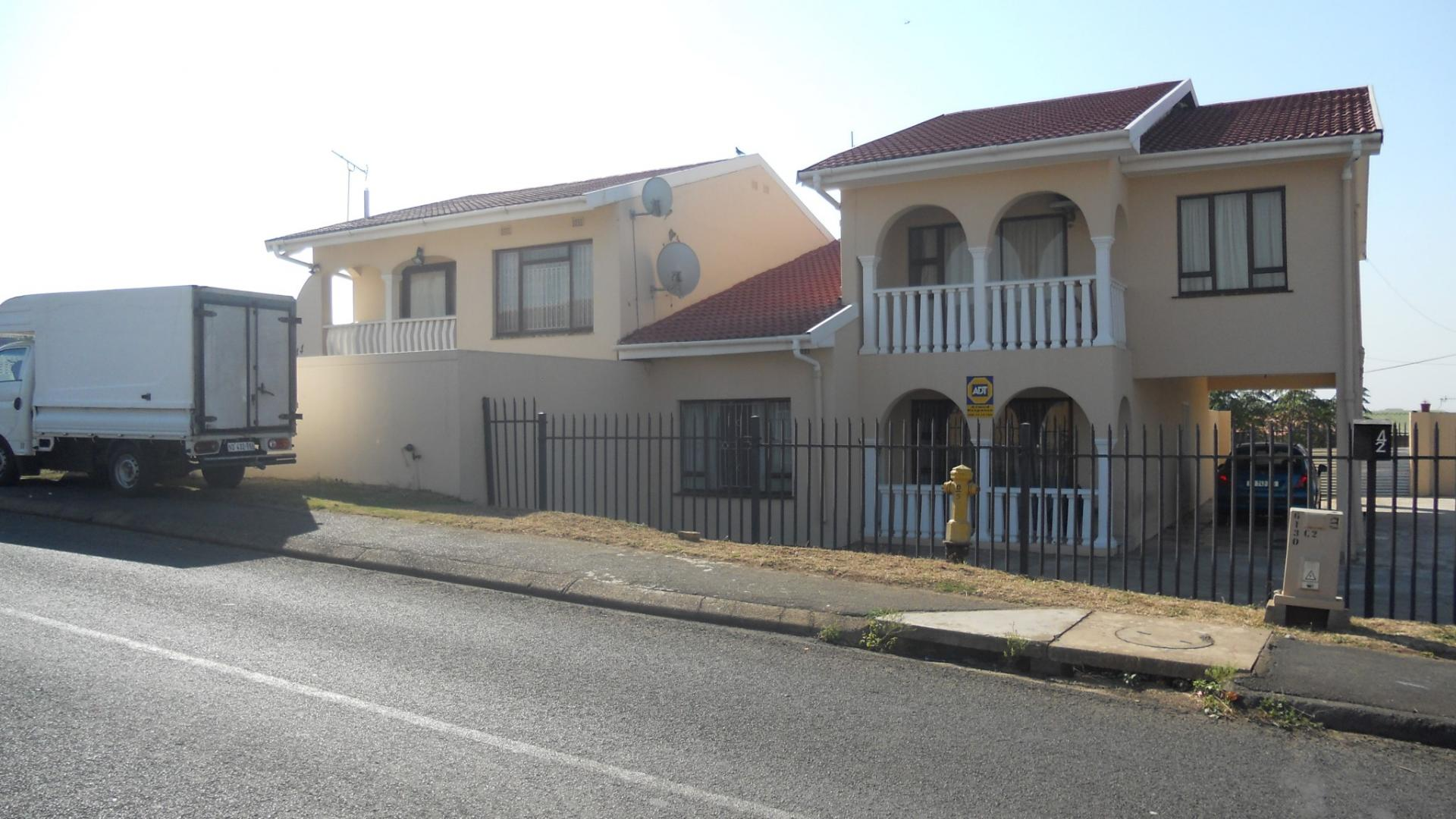 Front View of property in Phoenix