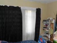 Main Bedroom - 13 square meters of property in Alberton