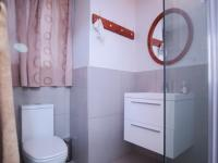 Bathroom 2 - 4 square meters of property in Silver Lakes Golf Estate