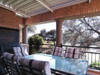Balcony - 52 square meters of property in Silver Lakes Golf Estate