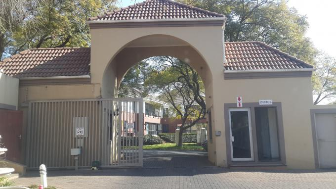 1 Bedroom Simplex For Sale in Oaklands - JHB - Private Sale - MR130954