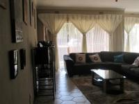 Lounges - 21 square meters of property in Vanderbijlpark