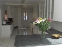 Kitchen - 43 square meters of property in Bedfordview