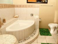 Bathroom 2 - 3 square meters of property in Struis Bay