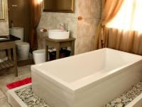 Main Bathroom - 7 square meters of property in Struis Bay