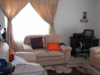 Lounges - 26 square meters of property in Karenpark