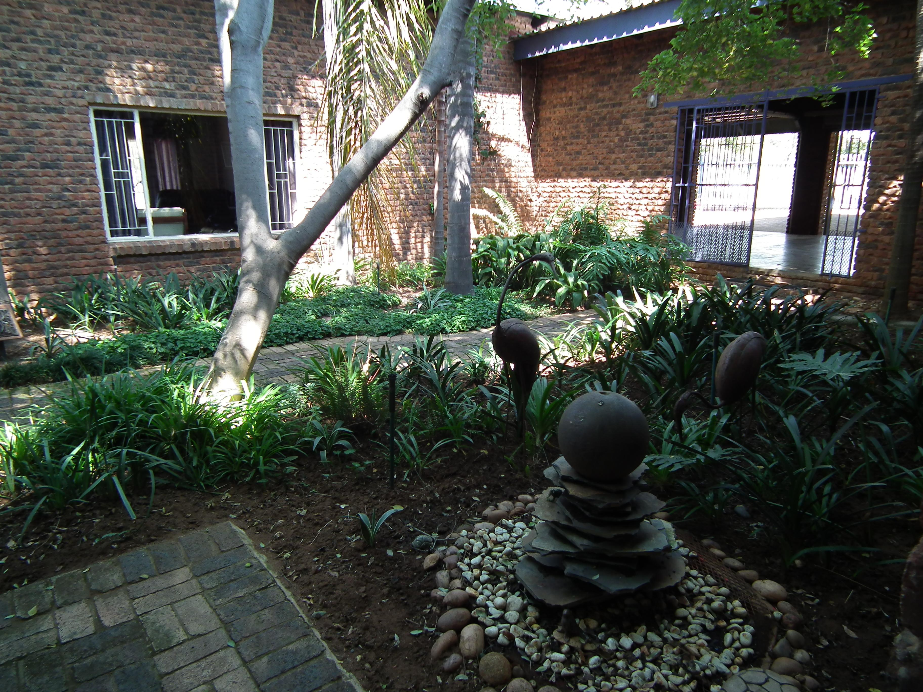 10 Bedroom Guest House for Sale For Sale in Modimolle (Nylstroom) - Home Sell - MR131136
