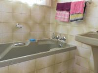 Bathroom 1 - 3 square meters of property in The Orchards