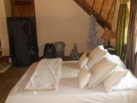 Bed Room 1 - 29 square meters of property in Amandasig