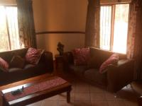 Lounges - 11 square meters of property in Amandasig