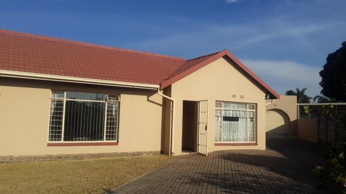 4 Bedroom House for Sale For Sale in Randfontein - Private Sale - MR131190