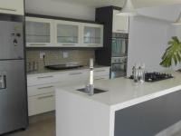 Kitchen - 33 square meters of property in Hartbeespoort