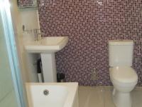 Main Bathroom - 4 square meters of property in Walkerville