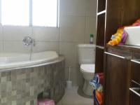 Main Bathroom - 4 square meters of property in Moret