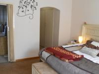 Main Bedroom - 26 square meters of property in Theresapark