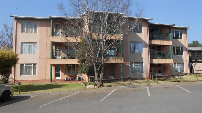 2 Bedroom Sectional Title For Sale in Benoni - Home Sell - MR131288