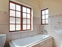 Bathroom 1 - 5 square meters of property in Willow Acres Estate