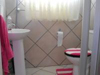 Bathroom 1 - 4 square meters of property in Cullinan