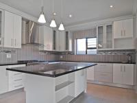 Kitchen - 10 square meters of property in Willow Acres Estate