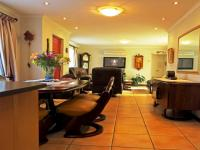 Lounges - 20 square meters of property in Durbanville