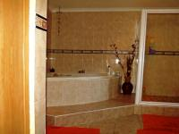 Main Bathroom of property in Durbanville