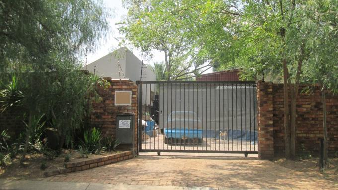 Standard Bank EasySell 4 Bedroom House for Sale For Sale in Johannesburg North - MR131526