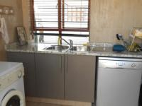 Kitchen - 19 square meters of property in Thatchfields