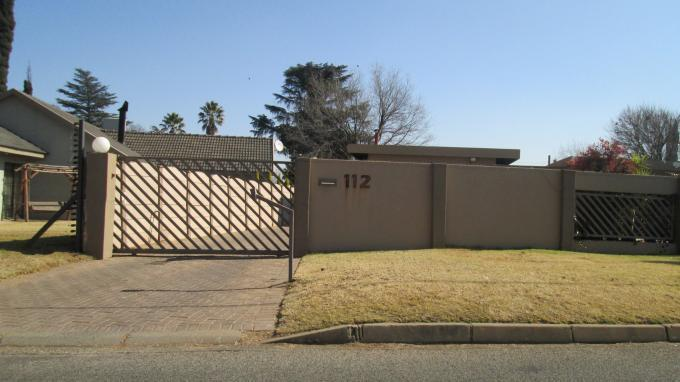 Standard Bank EasySell 3 Bedroom House For Sale in Risiville - MR131564