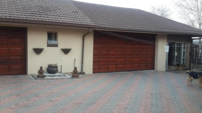 3 Bedroom House for Sale For Sale in Secunda - Private Sale - MR131580