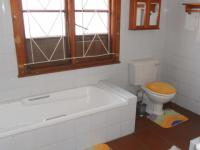 Main Bathroom - 7 square meters of property in Queensburgh