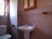 Bathroom 1 - 3 square meters of property in Willow Acres Estate
