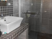 Bathroom 2 - 4 square meters of property in Doringkloof