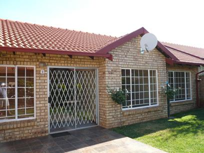 2 Bedroom Simplex for Sale For Sale in Highveld - Private Sale - MR13172
