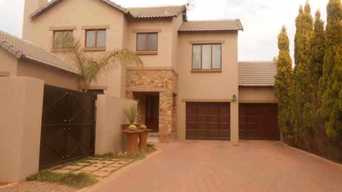 4 Bedroom Sectional Title for Sale For Sale in Olympus - Private Sale - MR131720