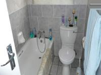 Bathroom 1 - 3 square meters of property in Wierdapark