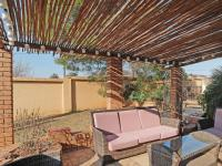 Patio - 120 square meters of property in Mooikloof