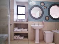 Bathroom 2 - 9 square meters of property in Willow Acres Estate