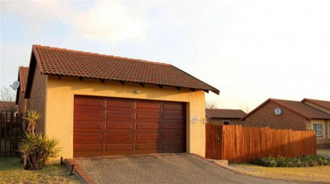 3 Bedroom House for Sale For Sale in Secunda - Home Sell - MR131789