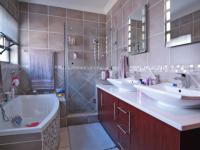 Main Bathroom - 7 square meters of property in The Meadows Estate