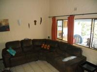 Lounges - 14 square meters of property in Ballitoville