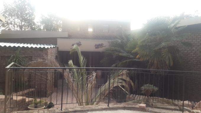 6 Bedroom House for Sale For Sale in Roodekrans - Private Sale - MR131800