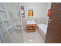 Main Bathroom - 3 square meters of property in St Francis Bay
