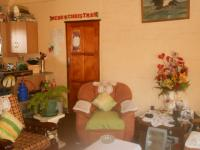 Lounges - 22 square meters of property in Emalahleni (Witbank)
