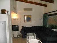 Lounges - 9 square meters of property in Southbroom