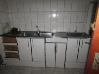 Kitchen of property in Despatch