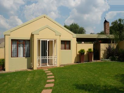 3 Bedroom House For Sale in Zwartkop - Private Sale - MR13192